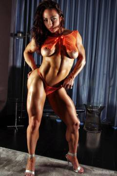 Brandi Mae nude milf watch her big glutes firm calves powerful quads delight her pics