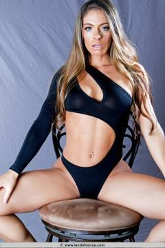 Skylar Rene fitness model and wrestler over hundreds of nude videos and photos