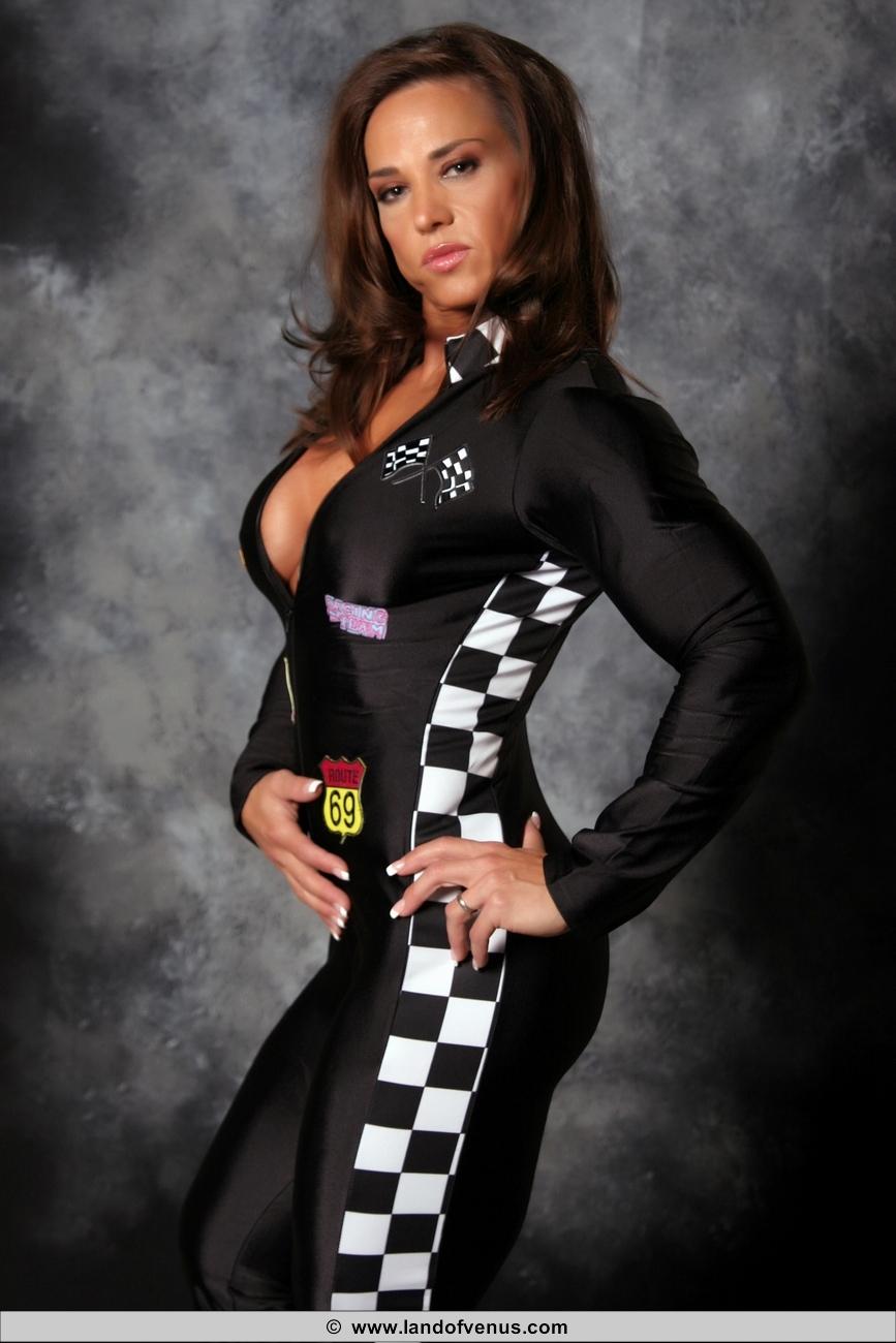 Roxy Rain naked Professional Female Bodybuilder I dont